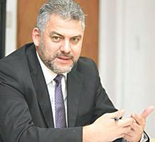 Mauricio Herrera y Carlos Segnini, ministros de Comunicación y Transportes, respectivamente, son cuestionados por los legisladores