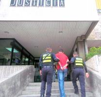 Los agentes llevaron a Villalobos Martínez a la fiscalía, donde se definirá su situación jurídica