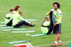 Marcelo y la selección de Brasil tendrán un duro debut de visitante frente a Chile. (Foto: EFE)