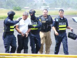 Detuvieron a 3 oficiales por colaborar con la operación del grupo narco