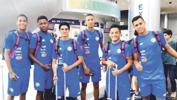 La Sele Sub17 viajó ayer a Chile para hacerle frente al Mundial