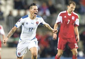 Marek Hamsik celebra la clasificación de Eslovaquia a la próxima Eurocopa. (Foto: Reuters)