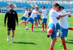 La Tricolor trabaja intensamente para llegar bien al debut mundialista
