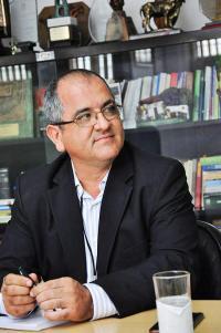 Gustavo Meneses, presidente de Incopesca, se encuentra en China en negociaciones propias de su cargo