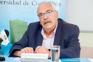Fernando Ramírez, director de la Escuela de Estadística de la UCR, reconoció ayer que sí colaboró con el Ministerio de Hacienda