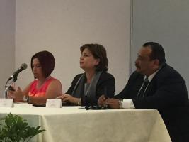 María Eugenia Rivera asistió a una actividad donde participaba la Alcaldesa josefina, Sandra García, luego de que la primera se adelantara a anunciar el nuevo Mariscal de las luces.