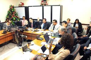 Congresistas de la Comisión de Ingreso y Gasto Público esperan resolución de la PGR sobre la legalidad del marchamo