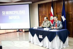 Héctor Fernández y Luis Antonio Sobrado del Tribunal Supremo de Elecciones