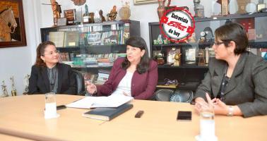 Iary Gómez, gerente general del Grupo Extra, y Paola Hernández, directora de DIARIO EXTRA, entrevistaron a Ana Teresa León, presidenta ejecutiva del PANI, sobre la situación de las adopciones y otros