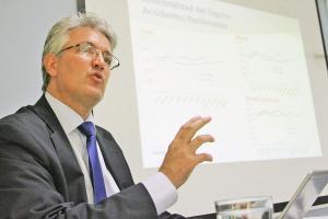 Tomás Soley, superintendente de Seguros, dijo que no necesariamente entrarán muchas aseguradoras en 2016