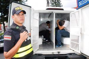 La Fuerza Pública de Montes de Oca detuvo a los hombres cuando iban a recoger el segundo pedido