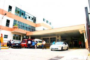 Un adolescente fue herido por otro con un arma blanca en Alajuelita y lo trasladaron al San Juan de Dios