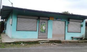 La pulpería El Buen Precio no abrió ayer, pues todos están en el hospital esperando la recuperación de su dueña Carmen Rojas