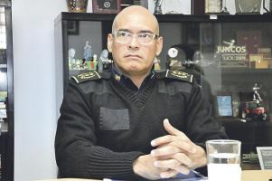 """Juan José Andrade, director de la Fuerza Pública, asegura que lo sucedido en Cartago es un """"jalón de orejas"""" para que los clubes cumplan con los planes de seguridad"""
