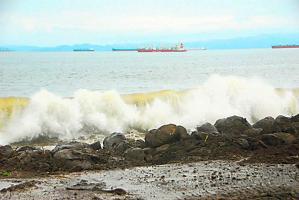 El pronóstico de fuertes vientos y olas de más de 4 metros durante los próximos ocho días obliga a turistas y pescadores a tomar las medidas preventivas para evitar una tragedia