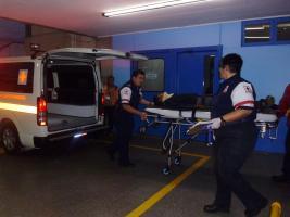 Pacientes fueron llevados al Hospital Max Peralta.