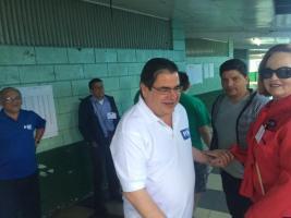 José Manuel Echandi, candidato del PIN ejerció su voto en la escuela República de México, en San José