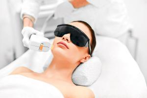 Ahora hay muchos tratamientos a base de luz para mejorar su piel.