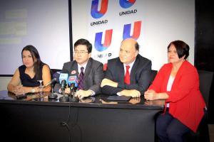 Laura Castillo, tesorera del PUSC, el presidente Pedro Muñoz, el secretario Rodolfo Piza y la alcaldesa de San Pablo de Heredia celebraron los resultados