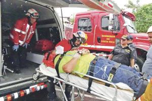 El vagonetero resultó gravemente herido tras la violenta colisión