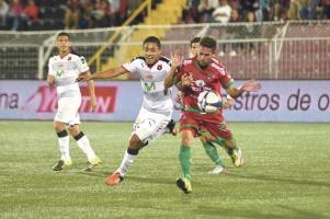 Pese a no tener una buena noche en el Morera Soto, la Liga sumó 3 puntos al vencer 0-1 a Carmelita, que se complica en el descenso (Foto: Isaac Villalta)