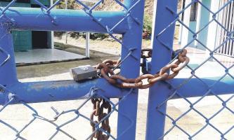 Los padres de la Escuela de Cedral en Aserrí no quieren que llegue la directora nombrada