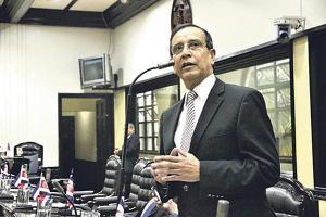 El congresista Rolando González denuncia a Ricardo Rodríguez, presidente del Inder