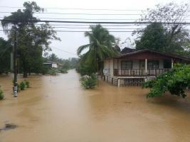 Sixaola esta totalmente inundado.