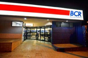 Asaltaron el Banco de Costa Rica en Puriscal minutos después de las 5 p.m. del jueves