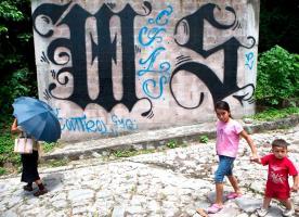 """La funcionaria de la ONU denunció que a las niñas no solos las abusan sino que las usan para transportar droga y hasta de """"campanas"""" para vigilar"""