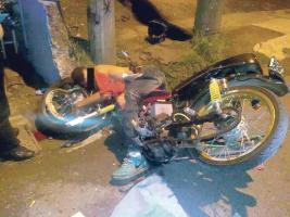 Elvis Ramírez Calderón falleció la madrugada de ayer tras impactar su moto contra un poste
