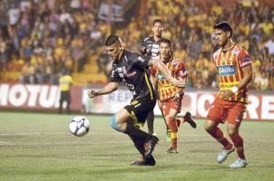 Belén metió en serios problemas al Herediano en el juego de ida (Foto: Mauricio Aguilar)