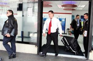La Fiscalía del II Circuito Judicial con ayuda de Legitimación de Capitales del OIJ allanó tres oficinas del BCR