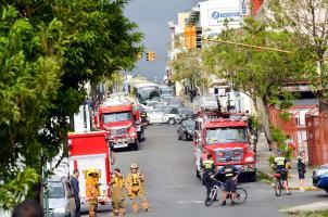 Se desplazó una gran cantidad de unidades extintoras y se cerraron al menos 200 metros sobre la avenida 8