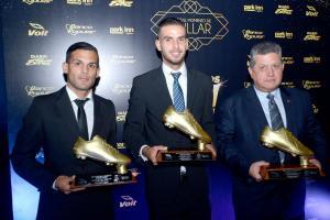 José Luis Cordero de Belén, Yendrick Ruiz del Herediano y Raúl Pinto en representación de José Guillermo Ortíz recibieron el reconocimiento a los goleadores del Verano 2016