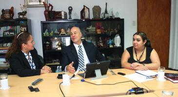 Fernando Víquez, gerente general de Lysto Costa Rica, conversó con Iary Gómez, gerente general del Grupo Extra, y Sandra Cordero, asistente de Dirección de DIARIO EXTRA.