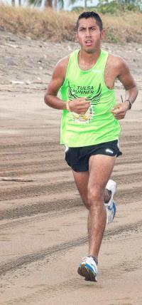 El azteca Iván Cervantes fue segundo en la carrera Sol y Arena que se llevó a cabo el 14 de mayo