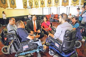 Personas discapacitadas visitaron varias veces el Congreso solicitando apoyo a esta legislación