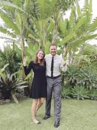 Tory Páez y su esposo Daniel Edlebeck harán voluntariado durante dos años.