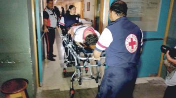 La mujer de 48 años presentaba una lesión en el fémur (Foto: Róger Soto, corresponsal)